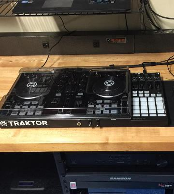 Review of Native Instruments Traktor Kontrol S2 MK2 Made in USA