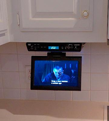 Review of Sylvania SKCR2706BT Under Cabinet Kitchen TV