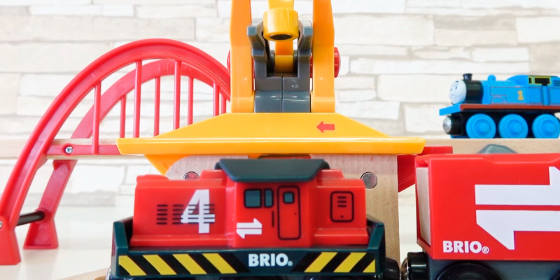 Detailed review of Brio Cargo Railway Deluxe Set