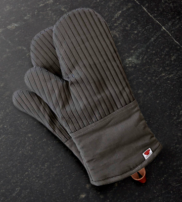 Review of Big Red House Oven Mitts with The Heat Resistance of Silicone and Flexibility of Cotton