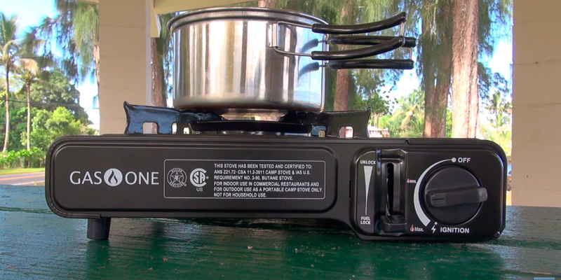 GasOne GS-3000 Portable Gas Stove with Carrying Case in the use
