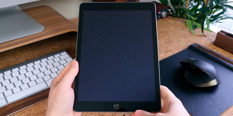 Detailed review of Apple iPad MPGT2LL/A WiFi Tablet