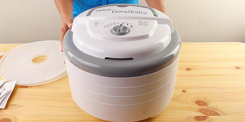 Review of Nesco FD-75A Snackmaster Pro Food Dehydrator