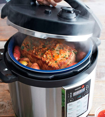 Review of Fagor LUX 6 quart 670041880 Multi-Cooker, Electric Pressure Cooker and more