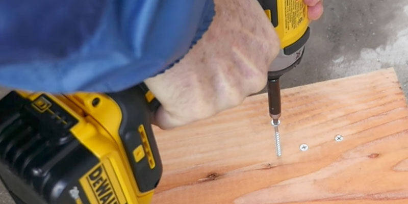 DEWALT DCF887B 20V MAX XR Li-Ion Brushless in the use