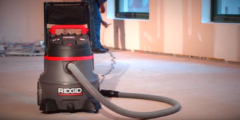 Ridgid 50348 14 gallon 6.0 Peak HP Wet/Dry Vacuum with Cart in the use