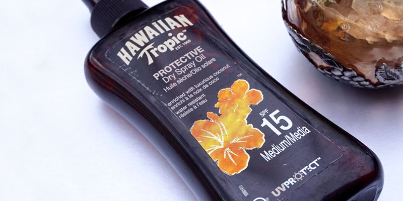 Review of Hawaiian Tropic Protective Broad Spectrum Sun Care Sunscreen Spray