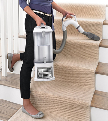Review of Shark NV356E Navigator Lift-Away Professional Upright Vacuum Cleaners