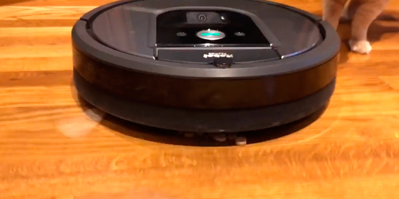 iRobot Roomba 960 Robot Vacuum in the use