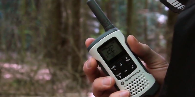 Review of Motorola Solutions T260TP Talkabout Radio