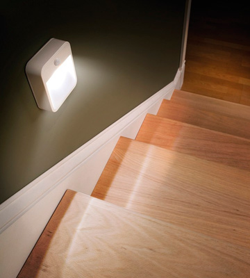 Review of Mr. Beams MB722 Battery Powered Motion Sensing LED Stick Anywhere Night Light