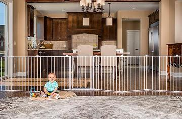 Best Freestanding and Retractable Baby Gates