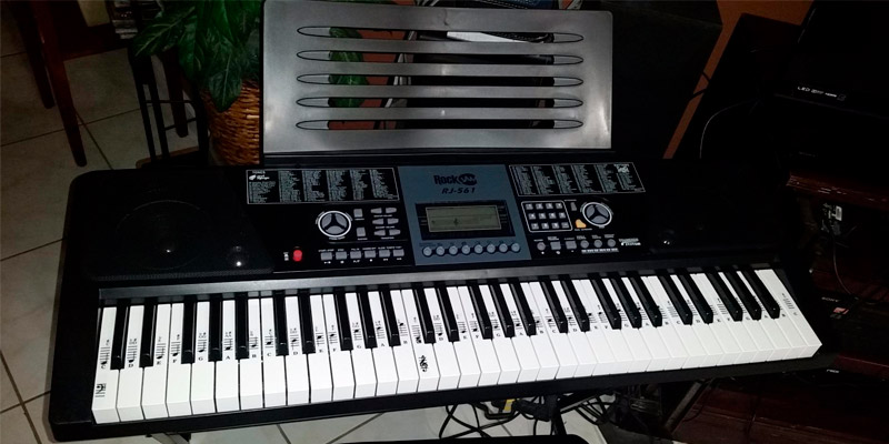 Detailed review of RockJam Electronic Keyboard SuperKit