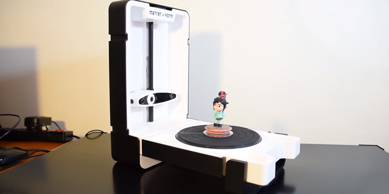 Matter and Form MFS1V1 3D Scanner in the use