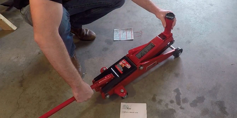 Review of Torin T83002 Big Red Pro Series Hydraulic Floor Jack: Single Piston Pump (3 Ton Capacity)
