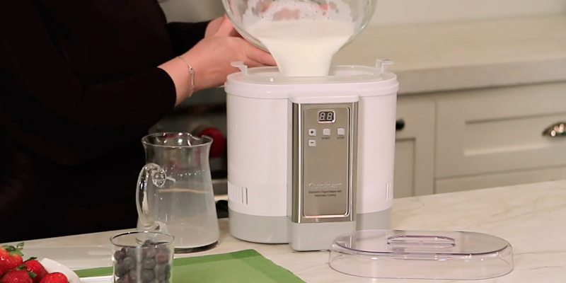 Review of Cuisinart CYM-100 Electronic Yogurt Maker with Automatic Cooling