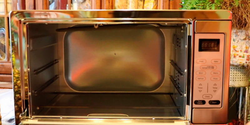 Review of Oster TSSTTVDGXL-SHP Digital Countertop Convection Oven