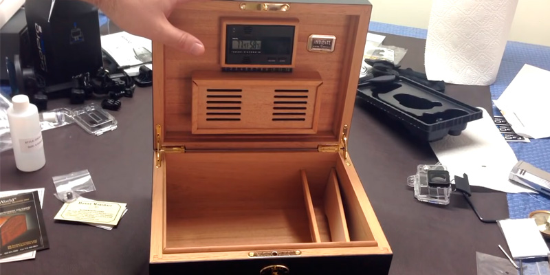 Daniel Marshall Ambiente 65 Cigar Humidor in the use