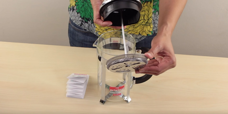 Detailed review of BODUM Chambord 8 cup French Press Coffee Maker