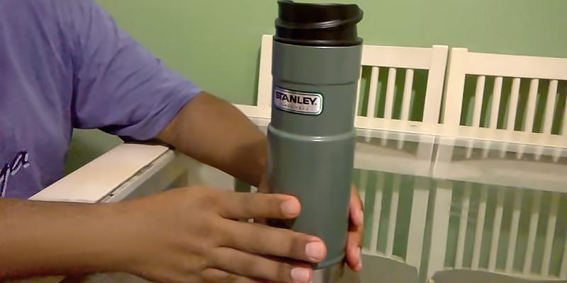 Review of Stanley Classic One Hand 20 oz Vacuum Travel Mug