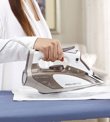 Review of Rowenta DW5080 Focus Steam Iron