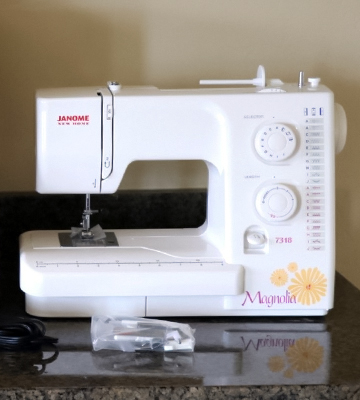 Review of Janome Magnolia 7318 Sewing Machine