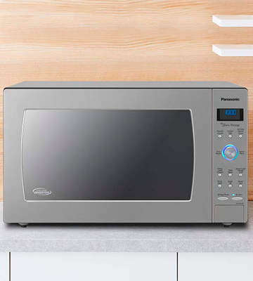 Review of Panasonic NN-SD775S Countertop / Built-In Microwave Oven with Cyclonic Wave Inverter Technology
