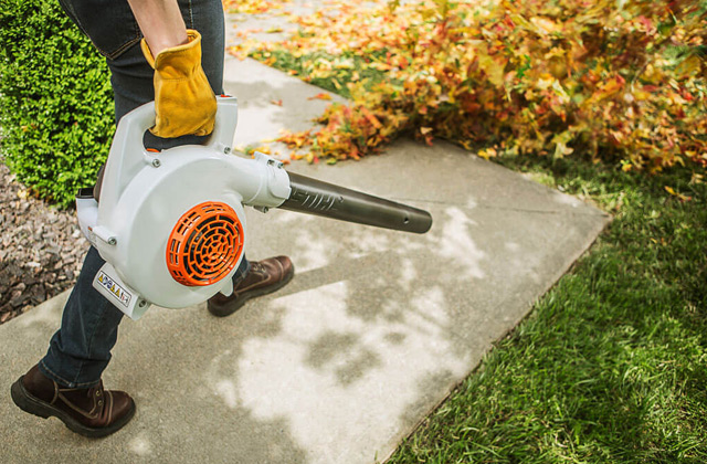 Comparison of  Gas Leaf Blowers