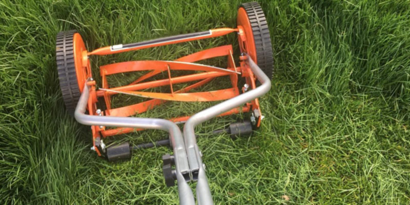 Detailed review of American Lawn Mower 1204-14 4-Blade Push Reel Lawn Mower
