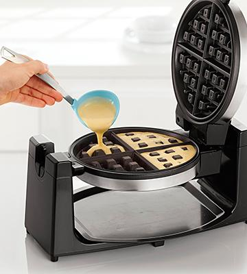 Review of BELLA 13991 Rotating Waffle Maker