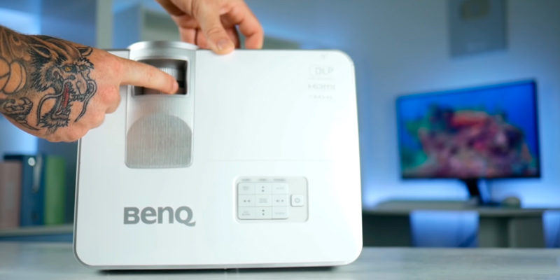 BenQ MW632ST Short Throw Projector in the use