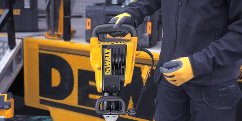 Review of DEWALT D25899K SDS Max Demo Hammer
