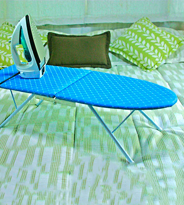 Review of Camco 43904 Folding Tabletop Ironing Board