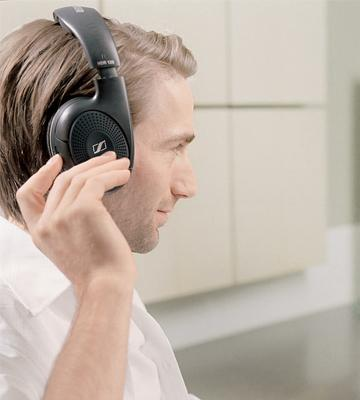 Review of Sennheiser RS120 On-Ear Wireless RF Headphones