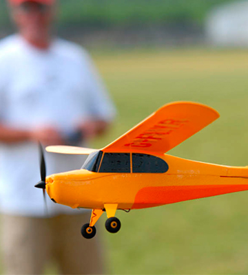 Review of HobbyZone Champ HBZ4900 RC Aircraft