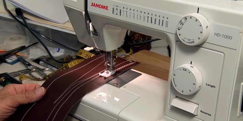 Review of Janome HD1000 Mechanical Sewing Machine