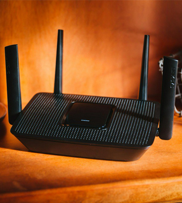 Review of Linksys EA8300 MU-MIMO Tri-band Wireless Router