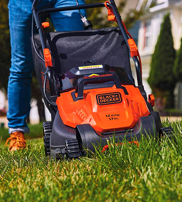 Review of Black & Decker BEMW482ES 17 Electric Lawn Mower with Pivot Control Handle