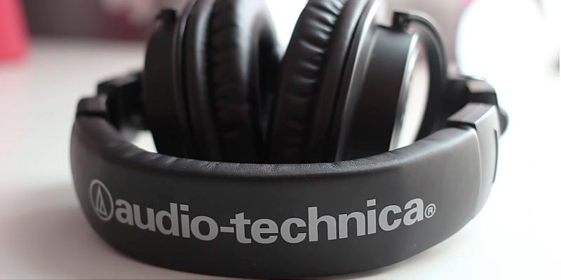 Audio-Technica ATH-M50x Professional Monitor Headphones in the use