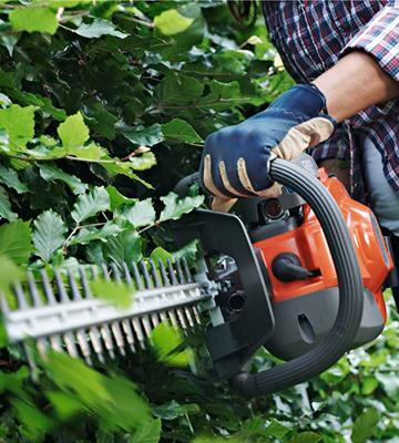 Review of Husqvarna 122HD45 21.7 cc/18/10.3 lb. Double Sided Hedge Trimmer