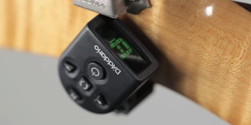 Review of Planet Waves PW-CT-12 D'Addario NS Micro Clip-On Tuner