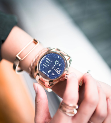 Review of Michael Kors MKT5004 Rose Goldtone Bradshaw Touchscreen Smartwatch