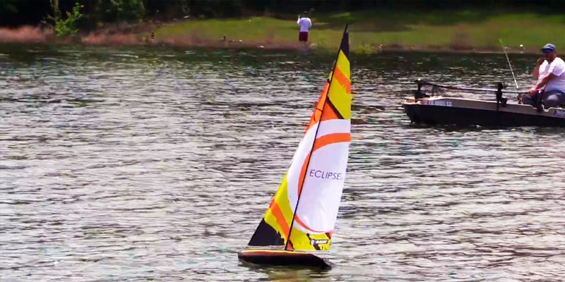 Review of Rage RC B1300 Eclipse 1M Ready to Run Sailboat