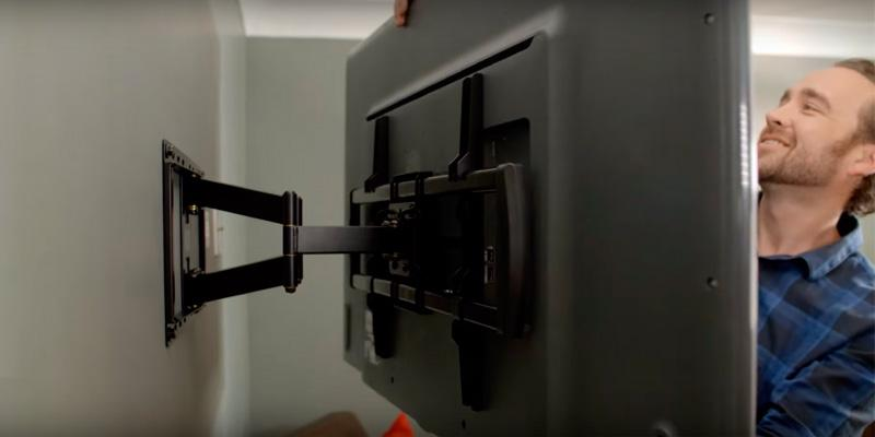 Review of ECHOGEAR Full Motion Articulating TV Wall Mount Bracket