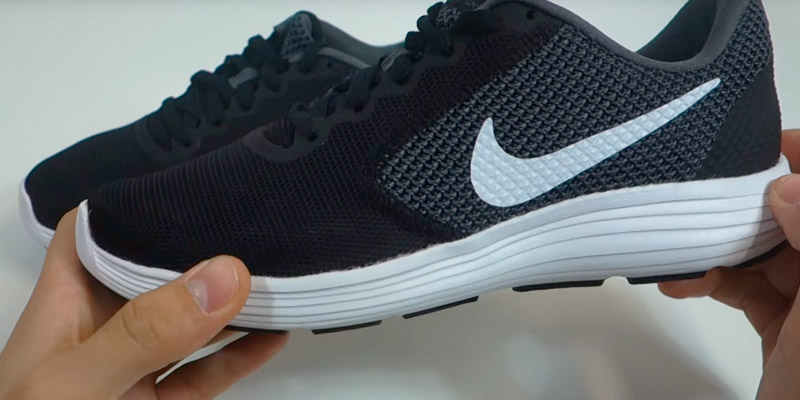 Review of Nike Revolution 3 Women's Running Shoe
