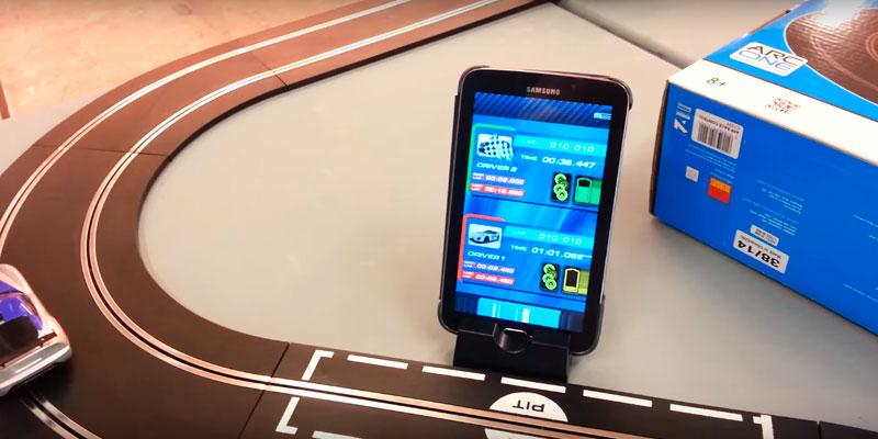 Scalextric ARC One, App Race Control Set in the use