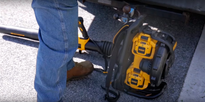 Detailed review of DEWALT DCBL590X1 Noise-Restricted