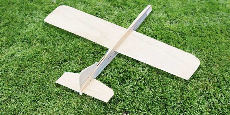 Review of S&S Worldwide Balsa Wood Glider