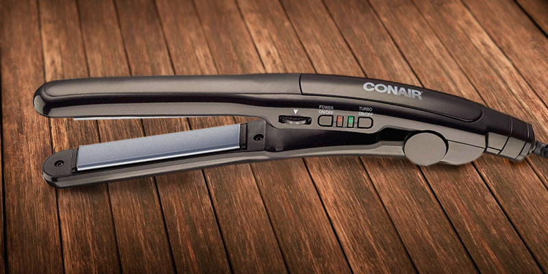 Conair CS4VCSR Instant Heat 3/4-inch Ceramic Flat Iron in the use