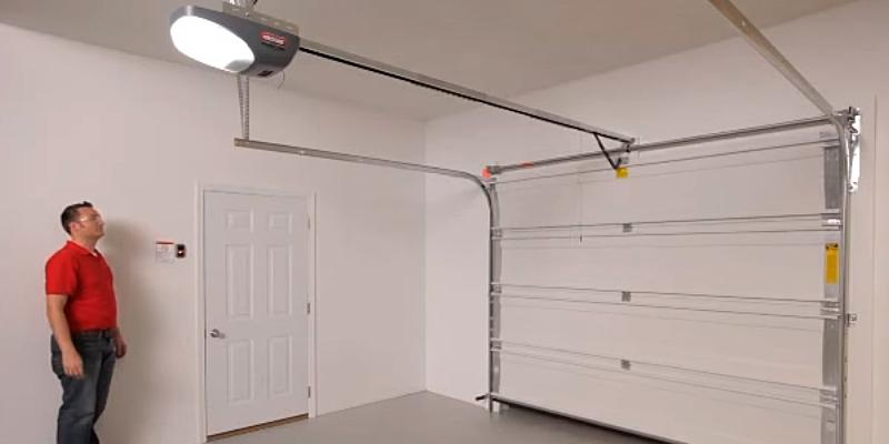 Genie 4042-TKH SilentMax Belt Garage Door Opener in the use